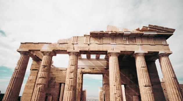 Brown Parthenon in worm's view photography in Greece